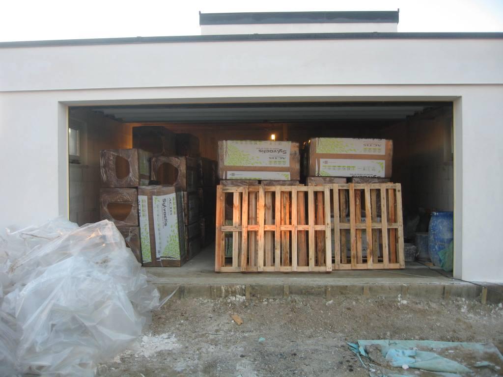 22 l isolation sous toiture en fibre de bois en cours auto construction en b ton cellulaire. Black Bedroom Furniture Sets. Home Design Ideas